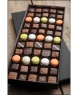 Coffret Montaigne Chocolats et Mini Macaronias Paris Chocolat